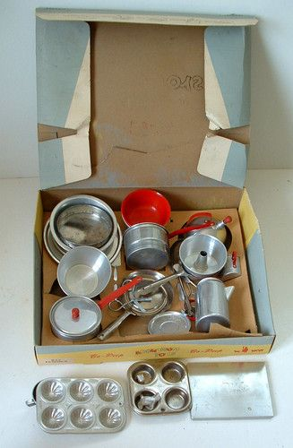 1950s Large Bo Peep Aluminum Kitchen Set In Original Box