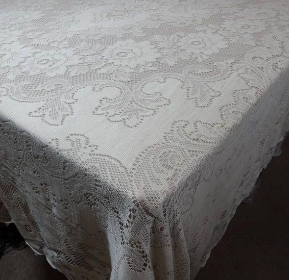 1960s Vintage Quaker Lace Tablecloth In Ecru Cotton 70 X 90