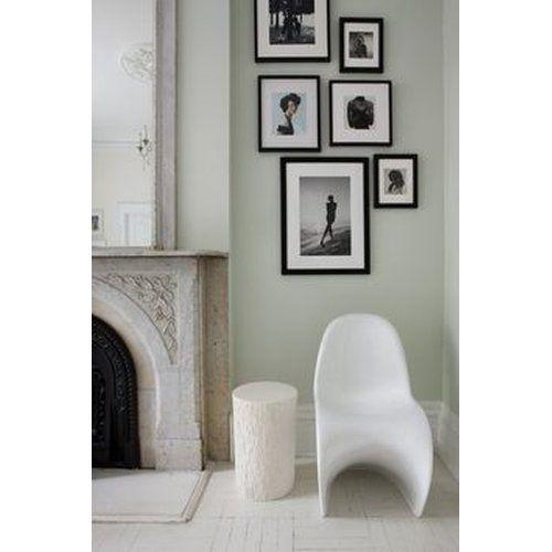 Bilderanordnung Auf Mintfarbener Wand Verner Panton Stuhl In