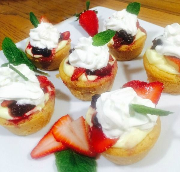 Quick & Easy Strawberry Cheesecake Sugar Cookie Cups