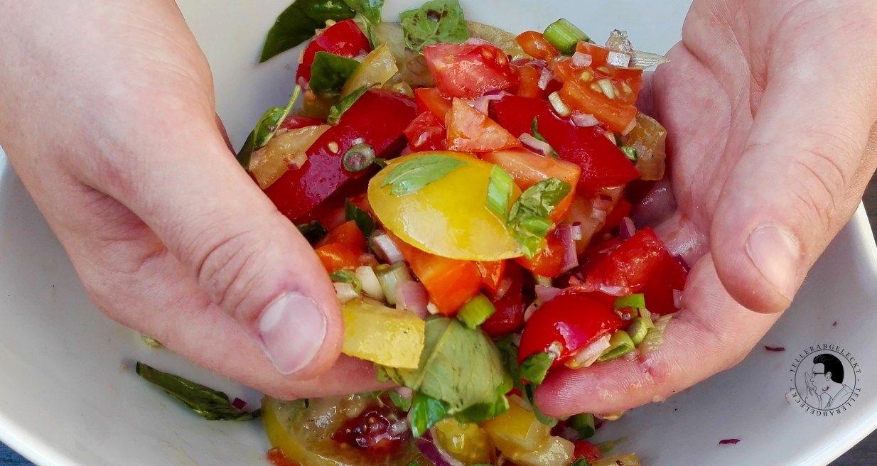 Einfach nur Tomatensalat von tellerabgeleckt