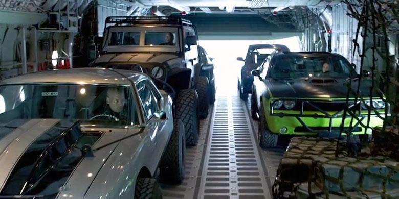 Ini Rahasia Di Balik Ratusan Mobil Fast And Furious 7 Kompas Com Otomotif Fast And Furious Jeep Lift Kits Cool Jeeps