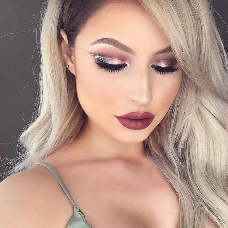 See this Instagram photo by @urbandecaycosmetics • 31.4k likes