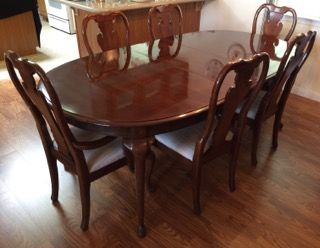 Thomasville Winston Court Queen Anne Style Cherry Dining Room Set