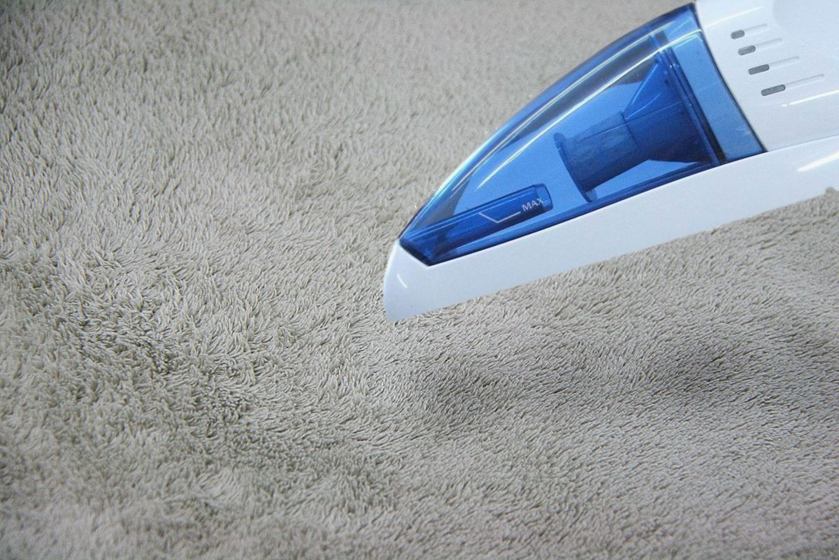 How to get acrylic paint off carpet via