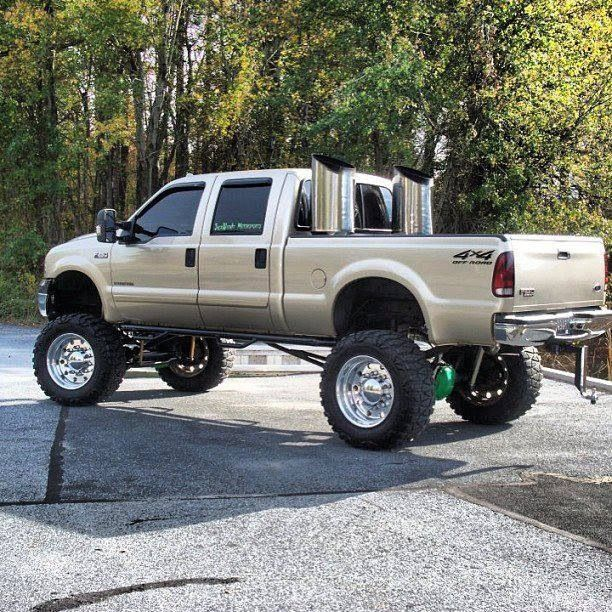 Chevy Trucks Lifted With Stacks Holy crap!!! Them stac...