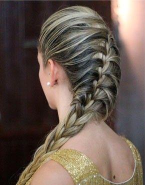 Qual trança você acha mais bonita: Embutida X Escama de Peixe?   Penteados,  Penteados com trança, Cabelo penteado