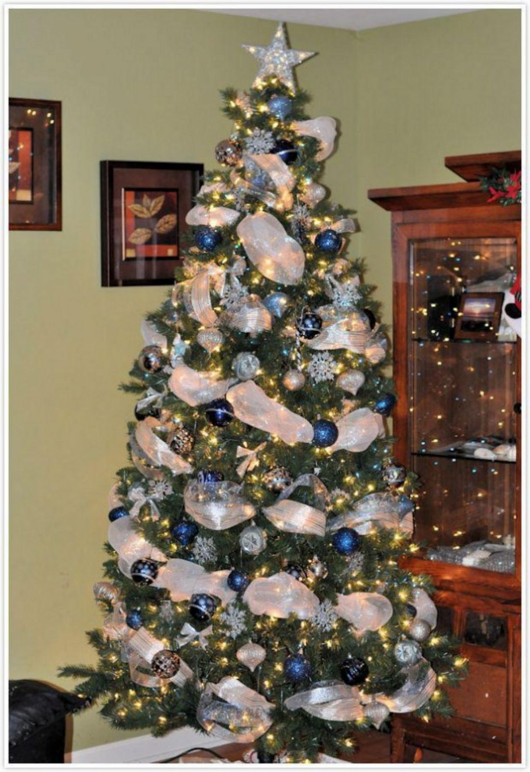 30 Awesome And Unique Blue And Silver Christmas Tree Decor Ideas Blue Christmas Tree Christmas Tree Inspiration Christmas Tree Themes