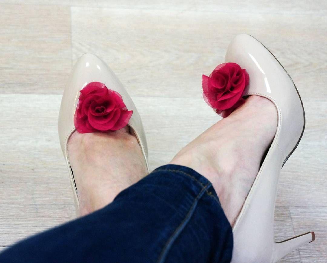 Kazde Buty Zmienimy W Piekne Pantofelki Wystarczy Przypiac Klipsy Do Butow Shoeclips Clips Klipsydobutow Fl Shoe Clips Chanel Ballet Flats Shoes