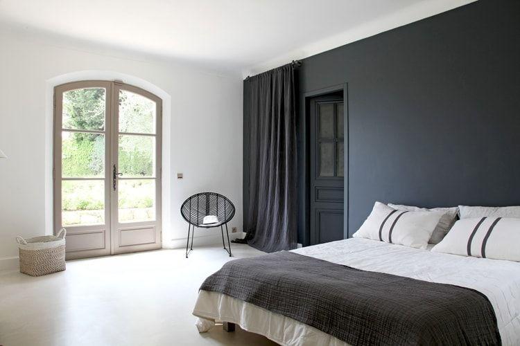 une chambre dadulte en noir et blanc - Peinture Noir Et Blanc Chambre