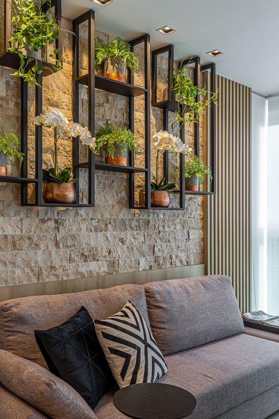 25+ Creative Ways To Arrange Your Indoor Plant Shelf