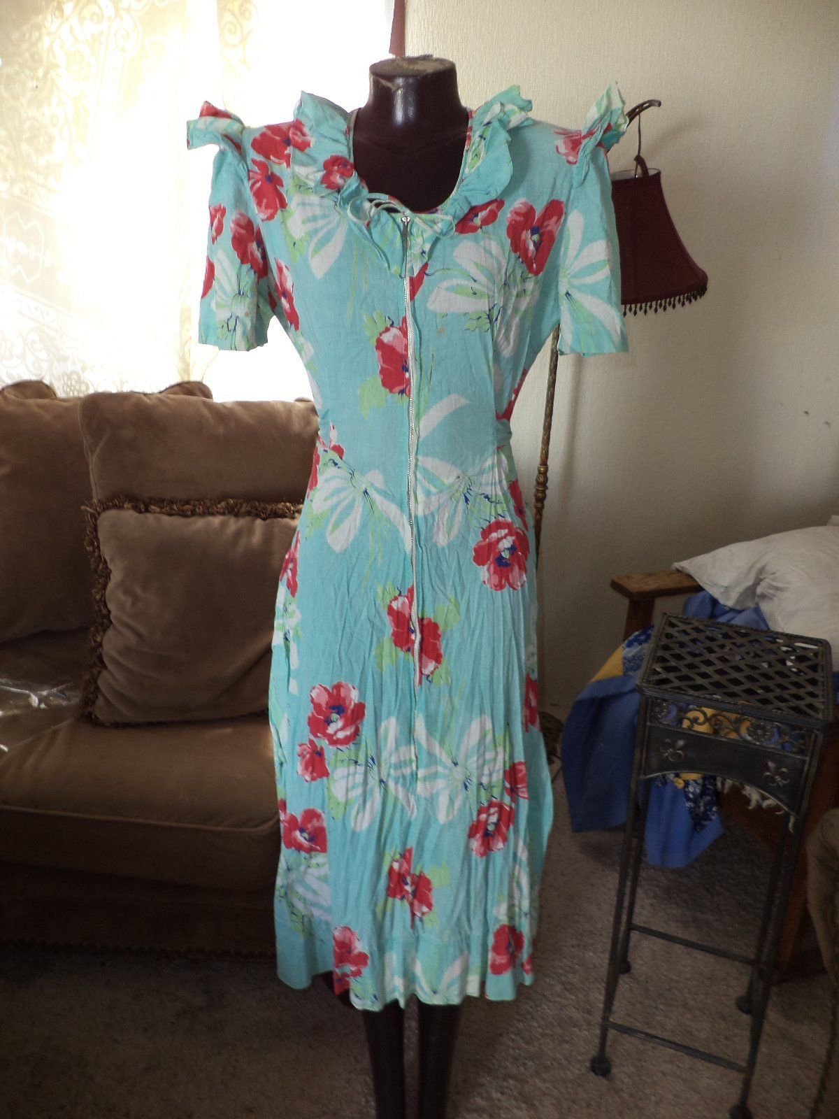 Vintage 1930's-1940's Woman's Seafoam and Red Floral Ruffled Sleeve Dress