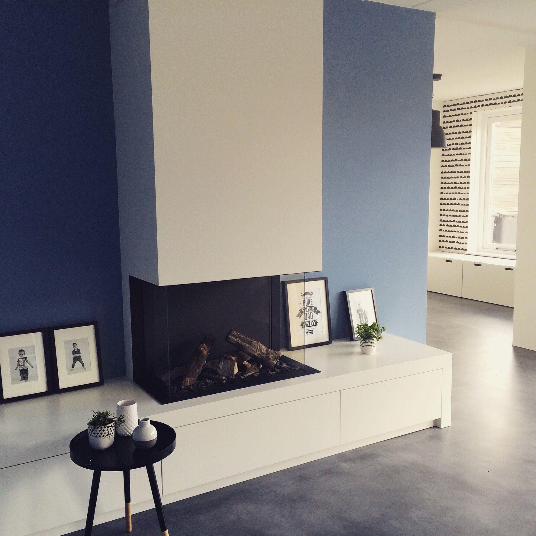 Open haard modern gashaard modern zwart wit behang van fermliving zwartwitwonen interieur - Open haard moderne ...