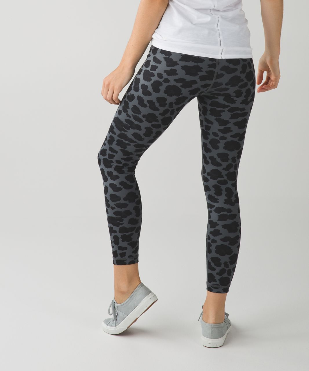 da5c0c8c72086 Materials: Full-On Luxtreme. Why we made this We designed these pants to  help us move from Hatha to happy hour, no questions asked. With a high-rise  ...