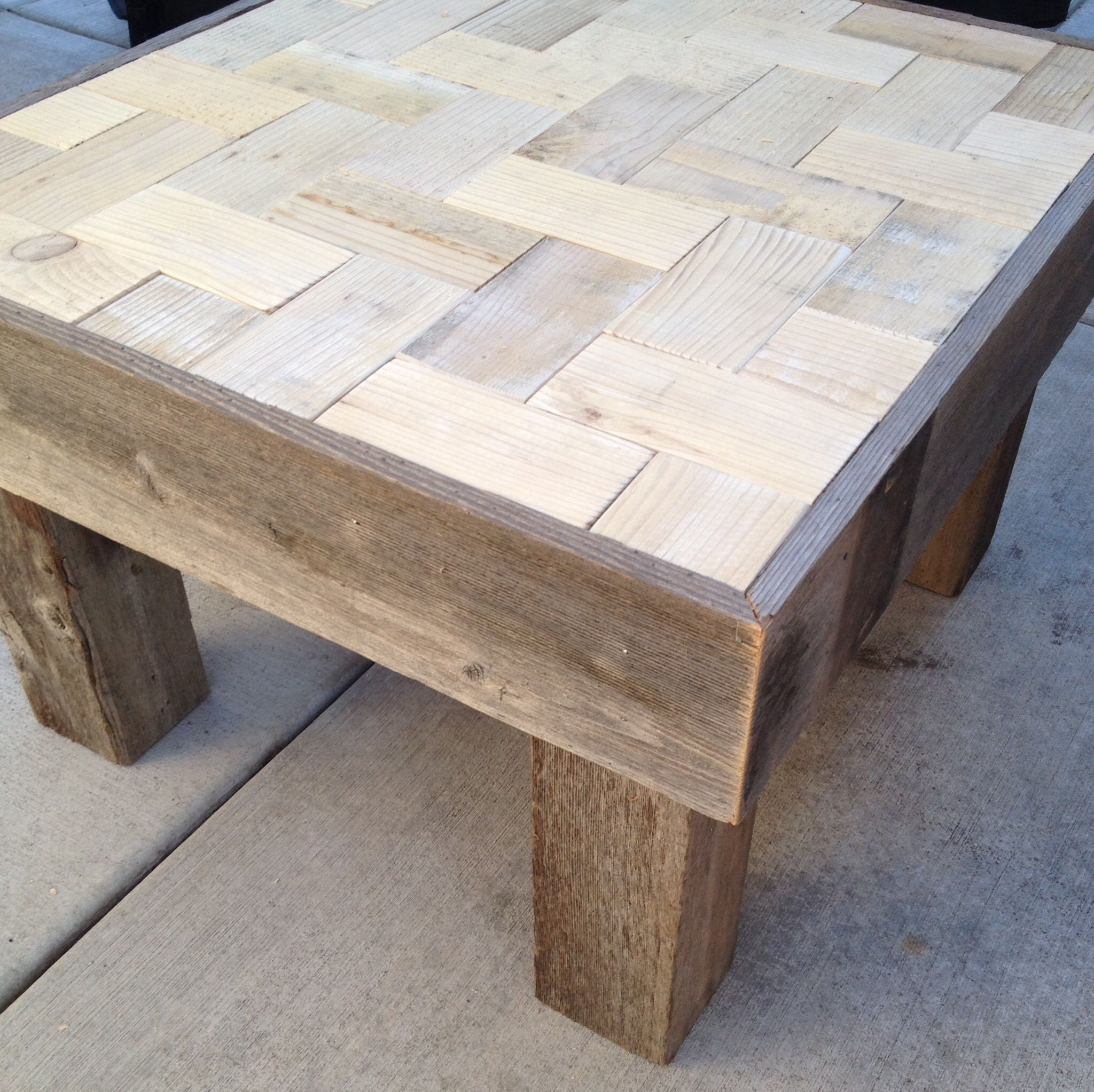Small Coffee Table Made From A Pallet And Old Fence Slats Small Coffee Table Fence Slats Old Fences [ 2046 x 2048 Pixel ]