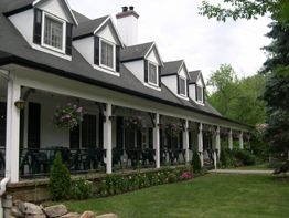 Auberge Willow Place Inn Hudson Quebec House Styles Places