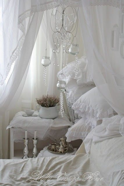 Enjoyable Shabby Chic Yummy Vintage Whites White Decor Romantic Interior Design Ideas Clesiryabchikinfo