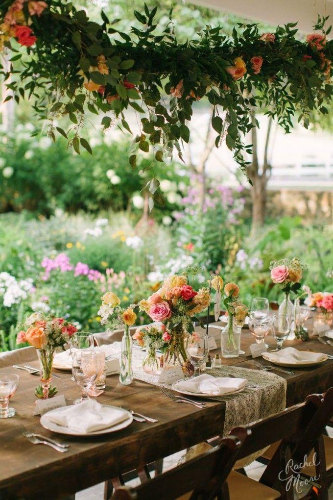 Blooming Tablescape #cedarwoodweddings Summer Stunner Tennessee Wedding at Cedarwood | Cedarwood Weddings