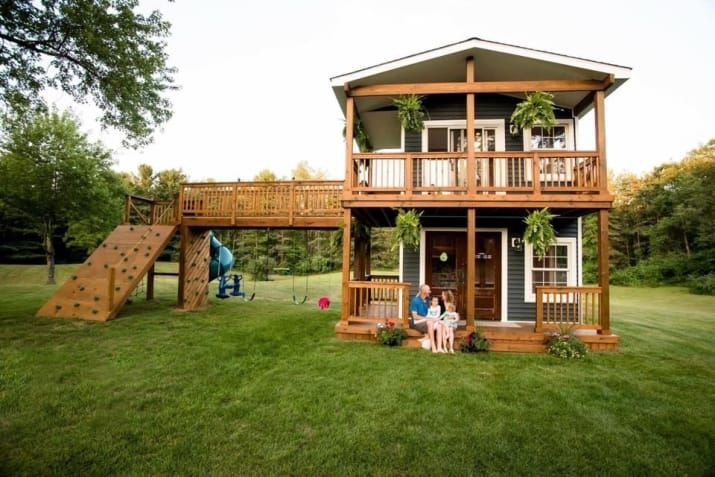 This Dad Built A Two-Story Playhouse For His Daughters And My Heart Can't Take It