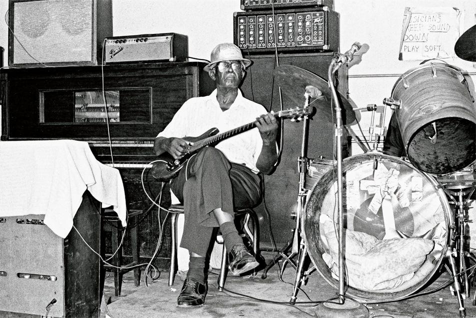 Silas Hogan in Tabby's Blues Box, August 1986, Baton Rouge, Louisiana