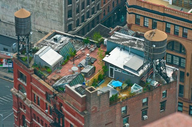 Strange And Gorgeous Houses Built On Rooftops In 2020 Nyc Rooftop New York Rooftop Rooftop
