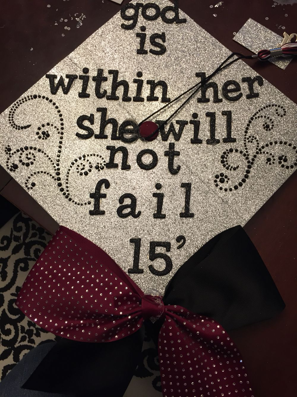 High School Graduation Cap Decoration Ideas For Girls ...