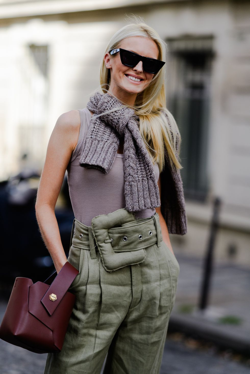 1b733c2fb4a9 image Street Style 2018, Autumn Street Style, Street Styles, Winter Fashion  Outfits,