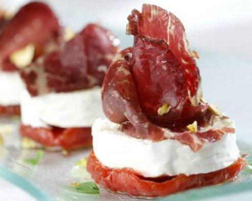 Tomates confitados con queso de cabra y cecina: trío de ases - El Palillo Leonés/ con receta.