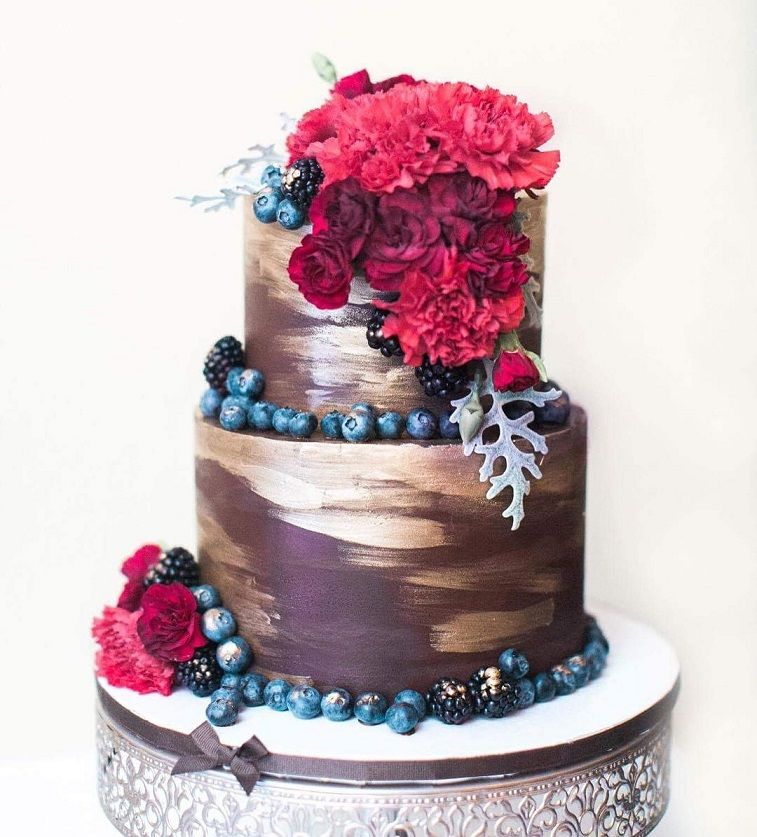 Luxury gold and chocolate wedding cake - Fabmood | Wedding Colors ...