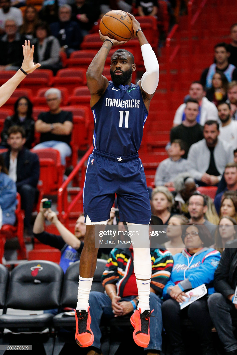 Tim Hardaway Jr. 11 of the Dallas Mavericks shoots a