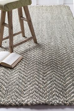 Chevron Rugs On Pinterest Grey And Geometric Rug