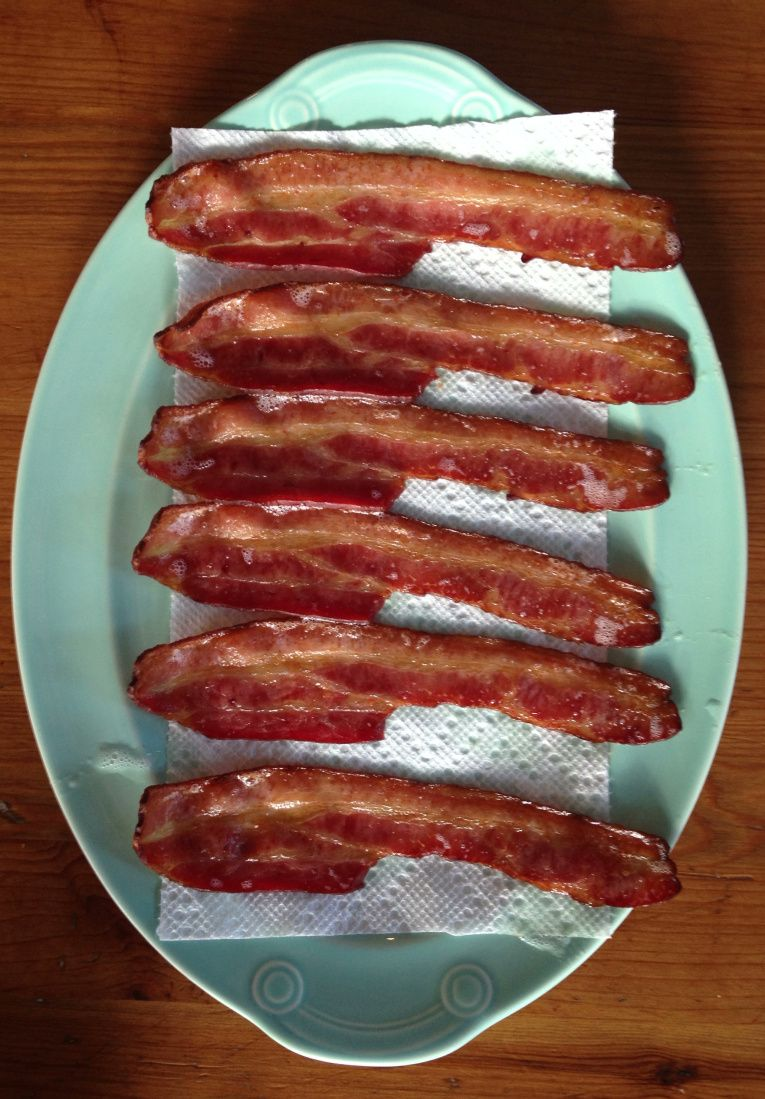 How to Cook Bacon (Without Burning it to a Crisp) - Technique from @Angela Martin Light via @Megan Maxwell | Peaches and Cake