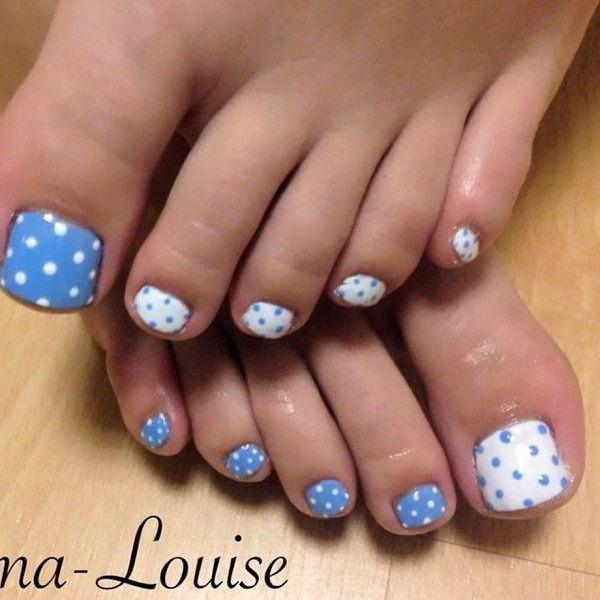 Blue And White Polka Dots Toe Nails Hair And Nails Pinterest