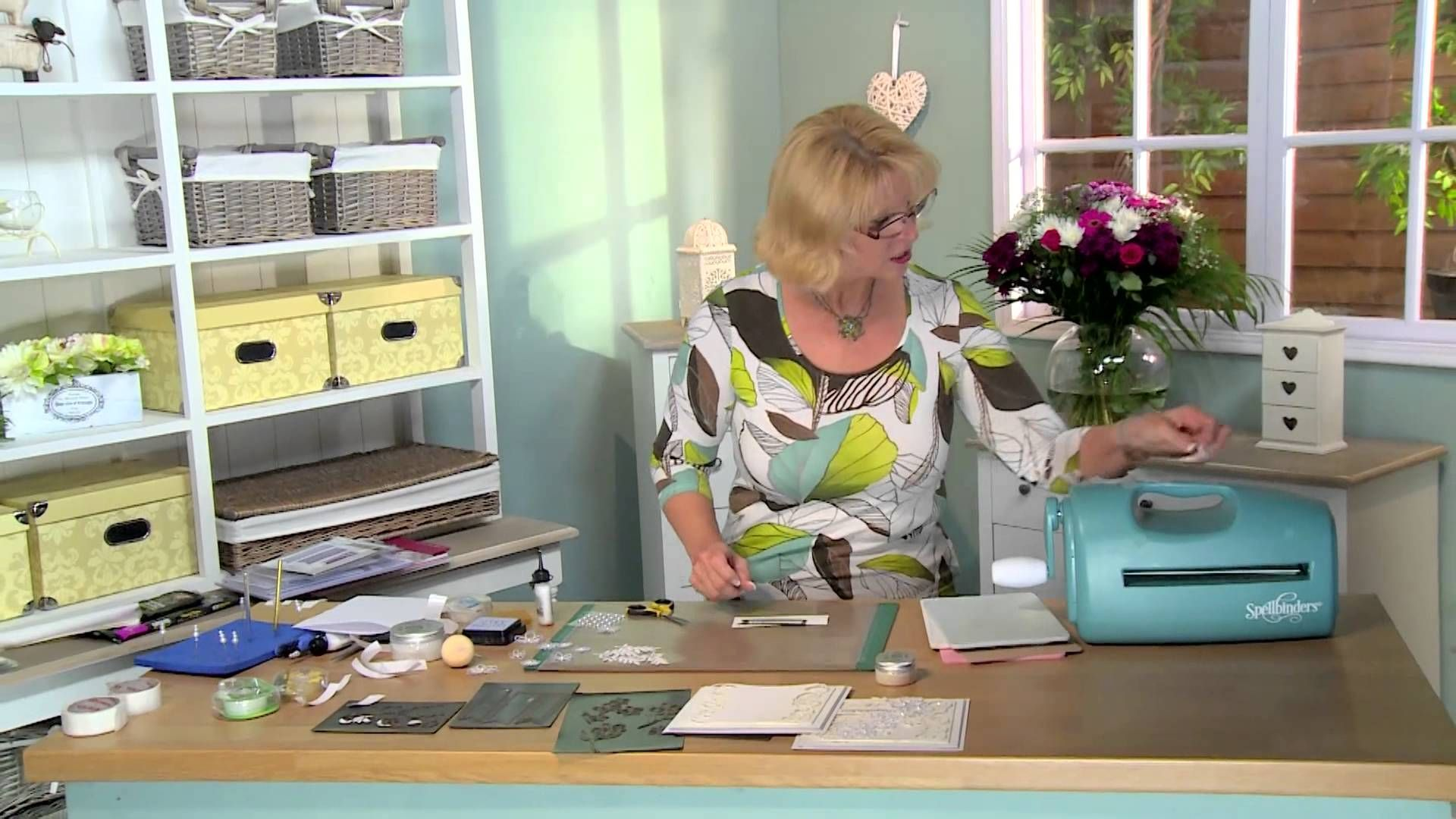 Crafting My Style With Sue Wilson - Scattered Flowers For Creative Expre...