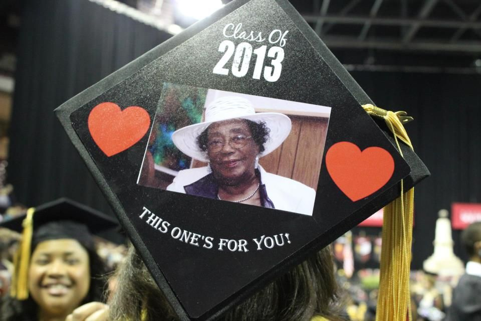 love personalized graduation caps decorated from www tasseltoppers