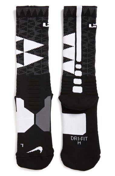 new products 38b67 cccce Nike  LeBron - Hyper Elite  Cushioned Basketball Crew Socks (Big Kid)