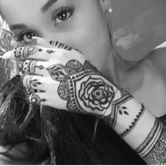Ari Wears Henna Ariana Grande News Ariana Grande Tattoo Ariana Grande