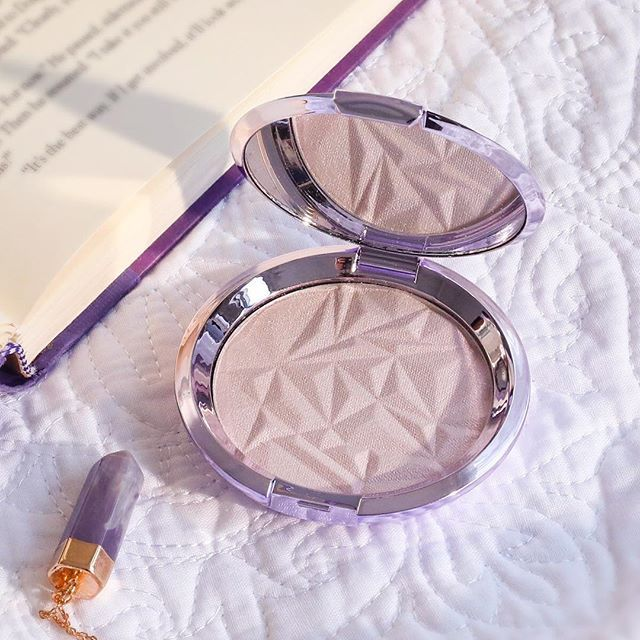 Becca S New Highlighter Might Just Be The Best One Yet Becca Cosmetics Makeup Eye Makeup Tips
