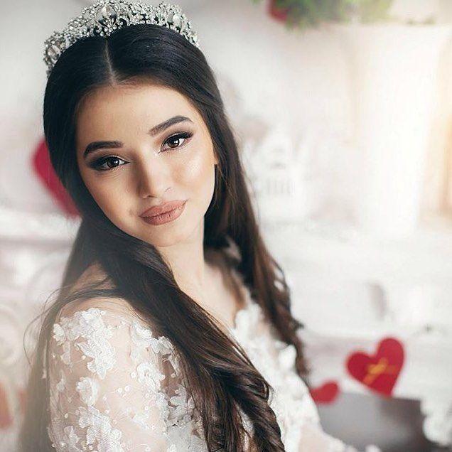 Женщину надо любить так чтобы ей и в голову не пришло что кто-то другой может любить её ещё сильнее.  #свадьба#свадьба2016#свадьбадекор#декор#президиум#белоеплатье#невеста#wedding#weddingday#weddinginspiration#inspiartion#decoration#weddingdecoration#weddingwecoration2016#wedding2016#bride#weddingdress#tiaraforbride#astana#kz#kavkaz#moscow#russia#beautiful#beautifulbride#brideideas#ideasforwedding by will_you_marry_me_wedding