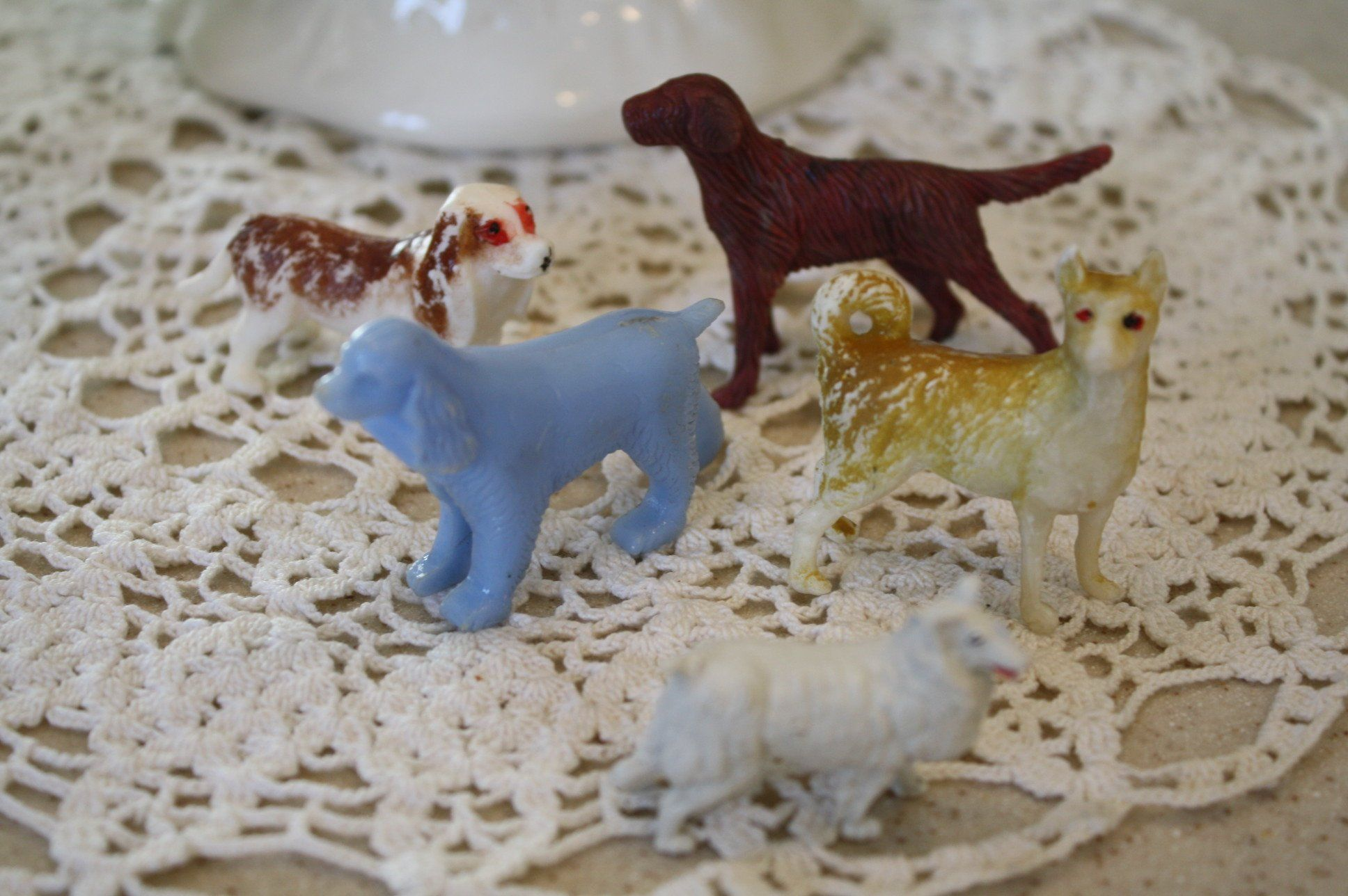 Vintage Lot Of 5 Miniature Dog Figurines Plastic By