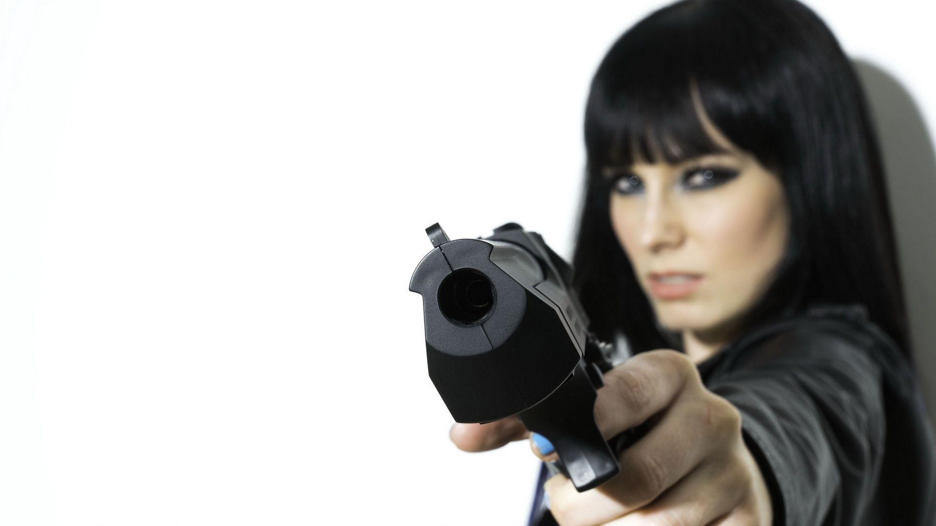 девушка с пистолетом: 21 тыс изображений найдено в Яндекс ...