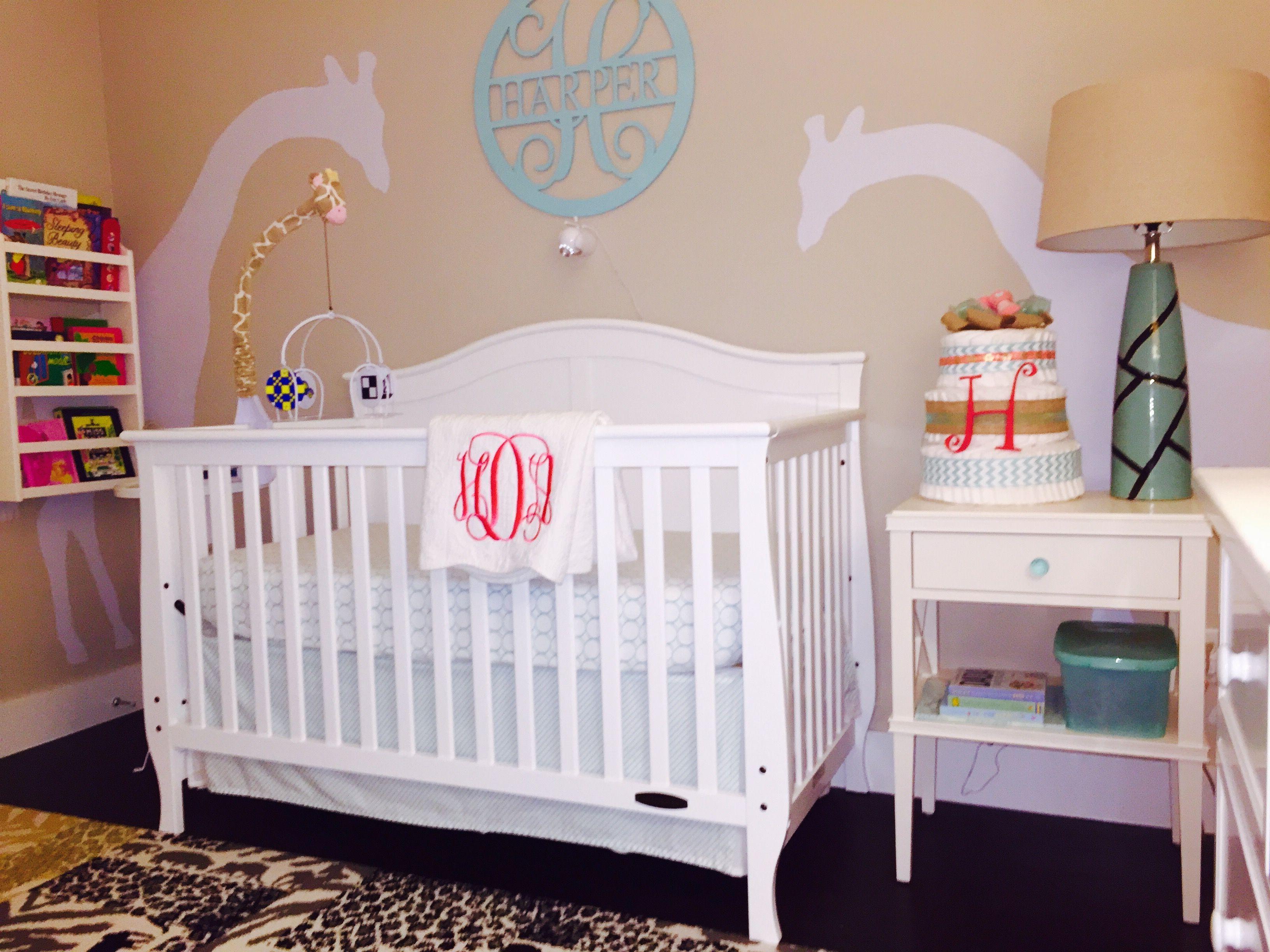 Baby nursery room, giraffe theme, furniture by Harper at