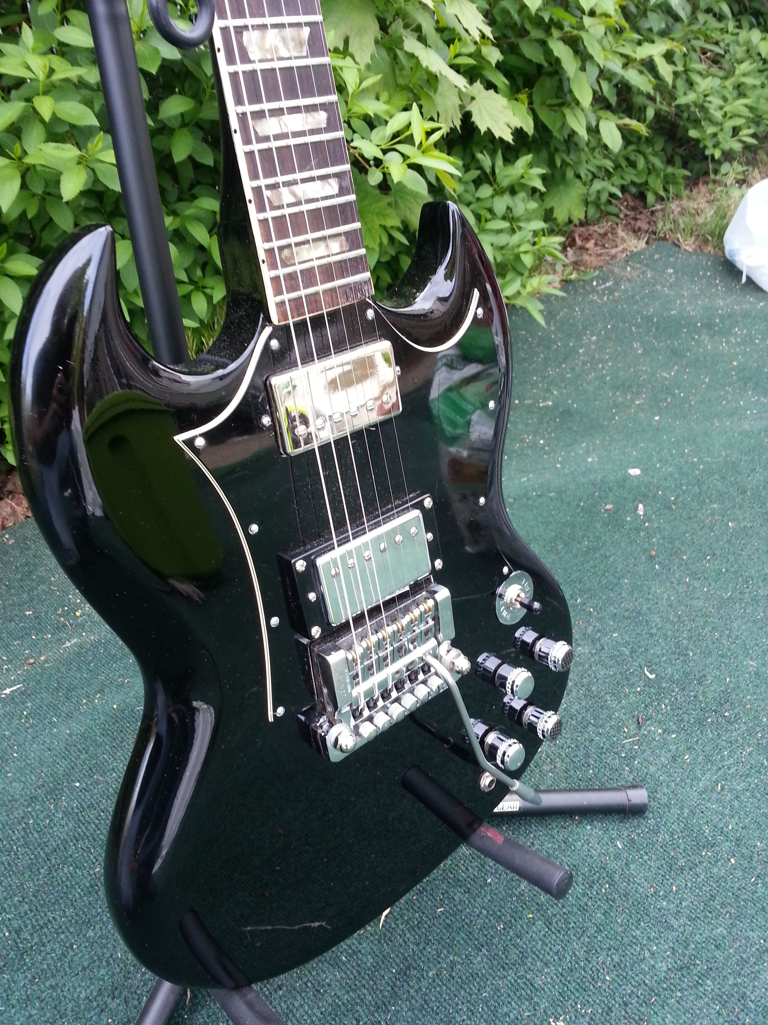 Fourth layer SG with Paladin chrome Beveled dome and carbon top knobs