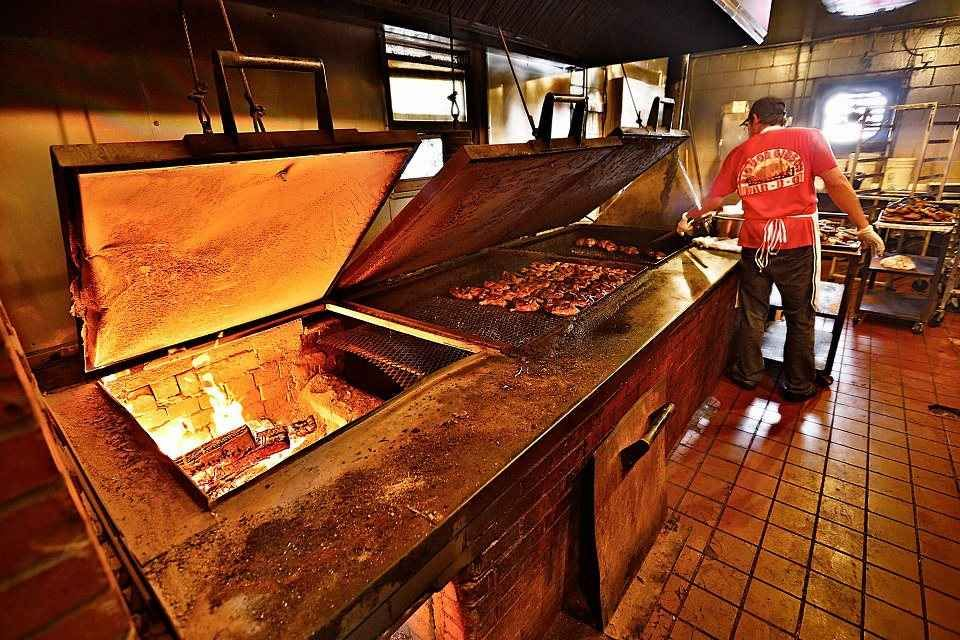 The 33 Best Bbq Joints In America Bbq Joint Best Bbq Bbq Restaurant