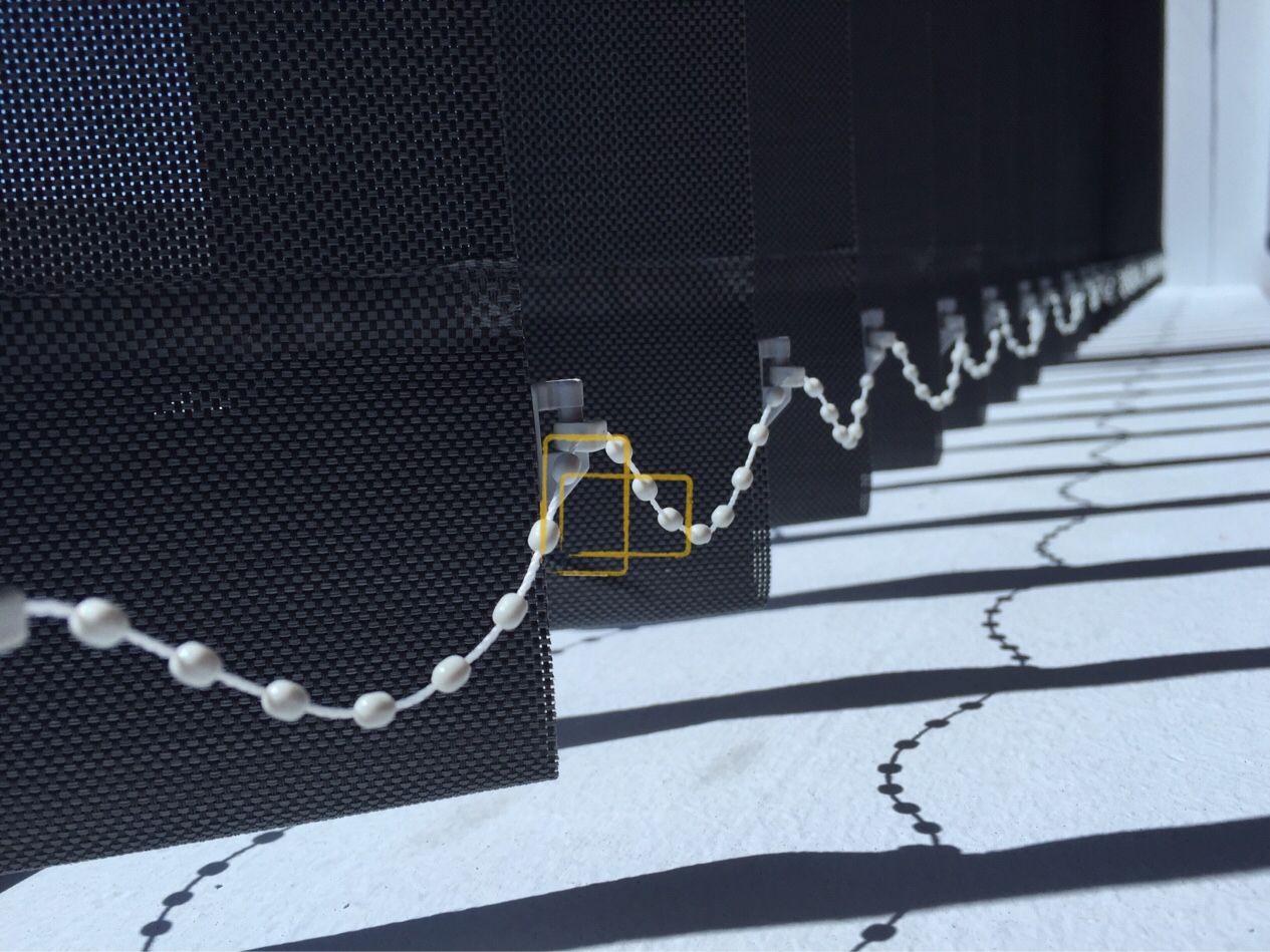 Cortinas #verticales con lamas de 89mm. Con #tejido #screen ...