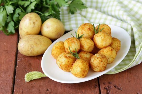Картинки по запросу Картофельные пампушки с сырной начинкой