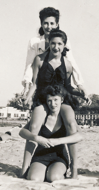 Bathing Beauties, their hairstyles are amazing 1948 ~