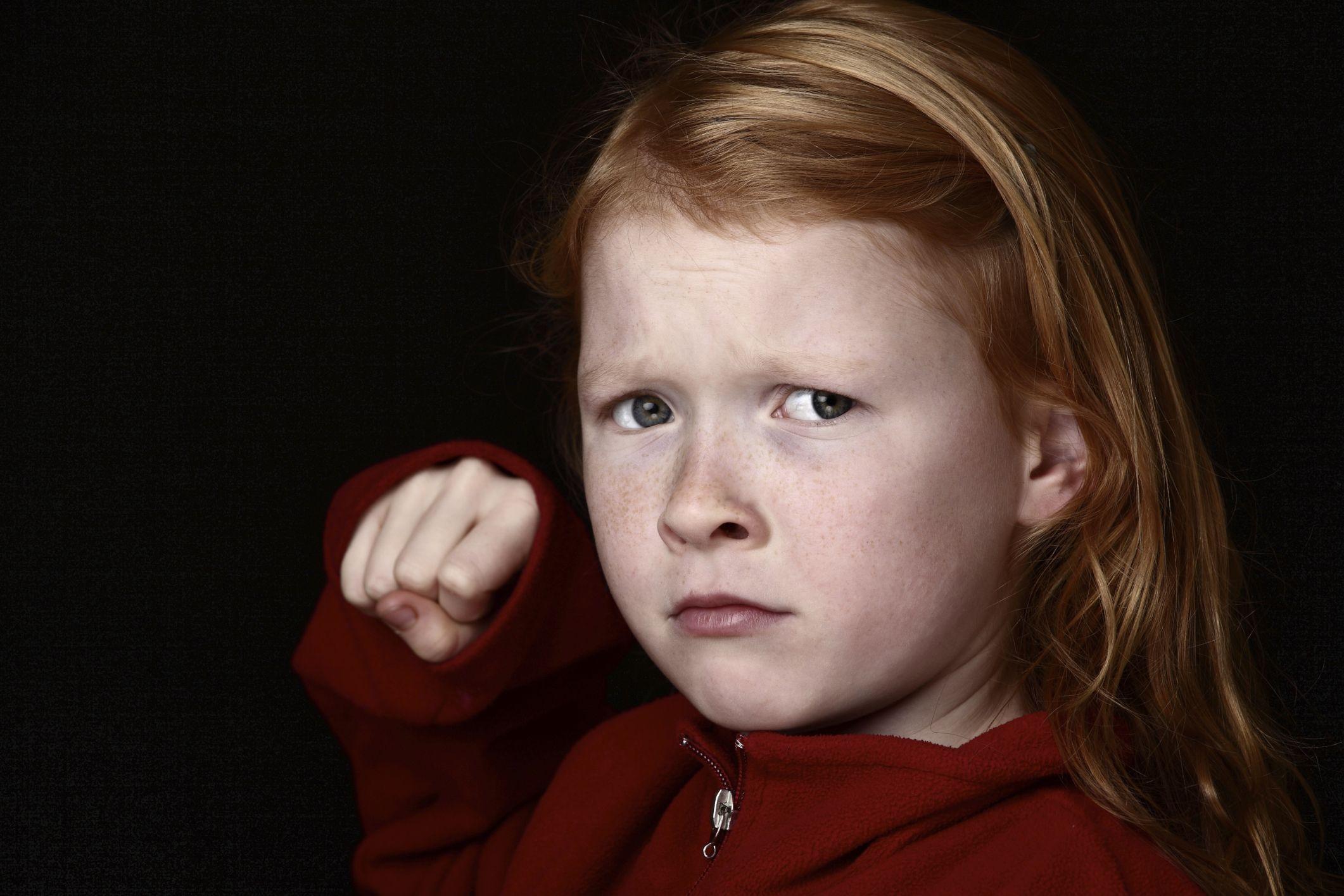 Wenn Kinder hauen   Jedes sechste bis achte Kind verhält sich überdurchschnittlich aggressiv. Für Eltern bedeutet es Alarmstufe rot, wenn ihr Kind im Kindergarten kratzt, schlägt oder beißt. Lesen Sie hier, wie Sie Ihrem kleinen Grobian helfen können.