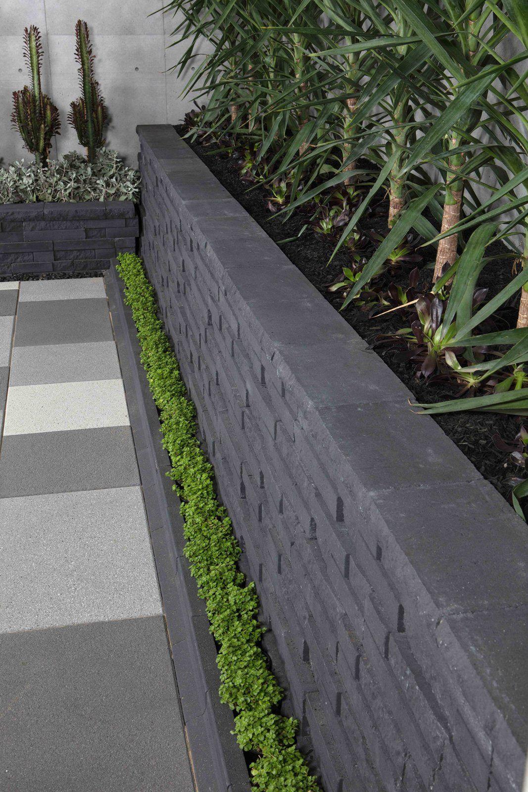 Natural Impressions Duostone Retaining Wall Bluestone Jpg 1067 1600 Garden Edging Garden Wall Garden Steps