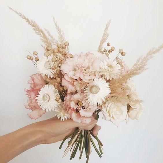 Comment intégrer des fleurs séchées à son mariage? | M comme Madame - nouveau blog mariage
